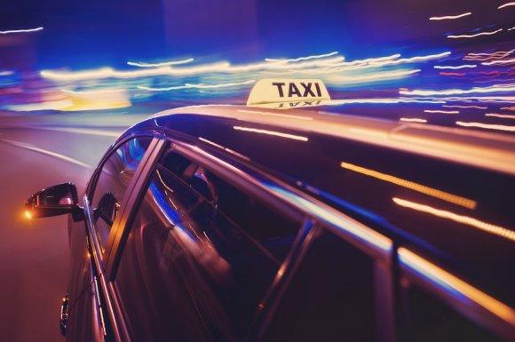 Société de taxi pour le transport de personnes de nuit
